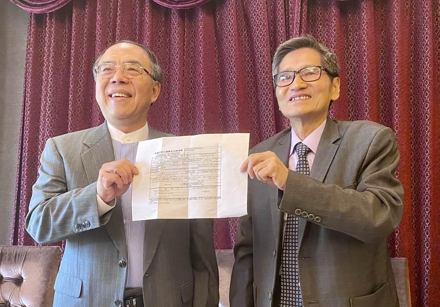 友訊獨立董事馮忠鵬(左)、鍾祥鳳(右)。(記者王逸芯攝)