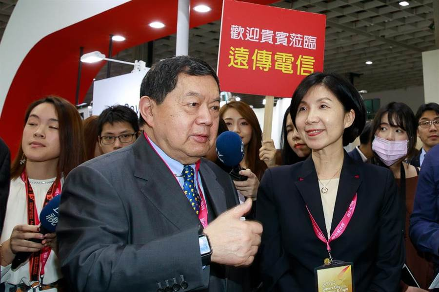 遠傳董事長徐旭東(左)與總經理井琪。(資料照)