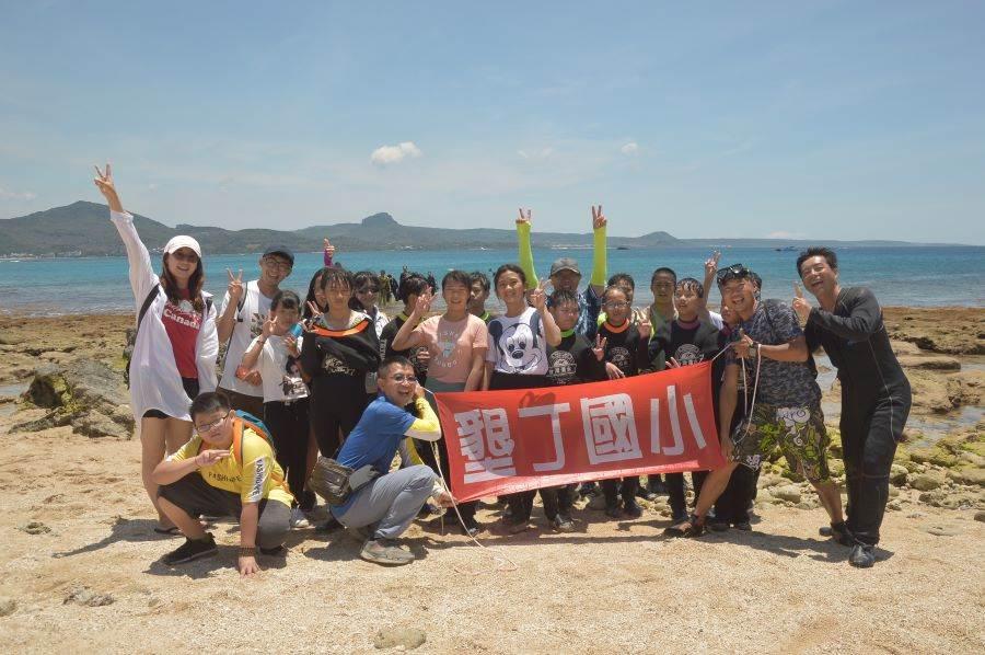 能夠以潛水方式完成畢業活動,學生們非常開心。(里山生態 提供)
