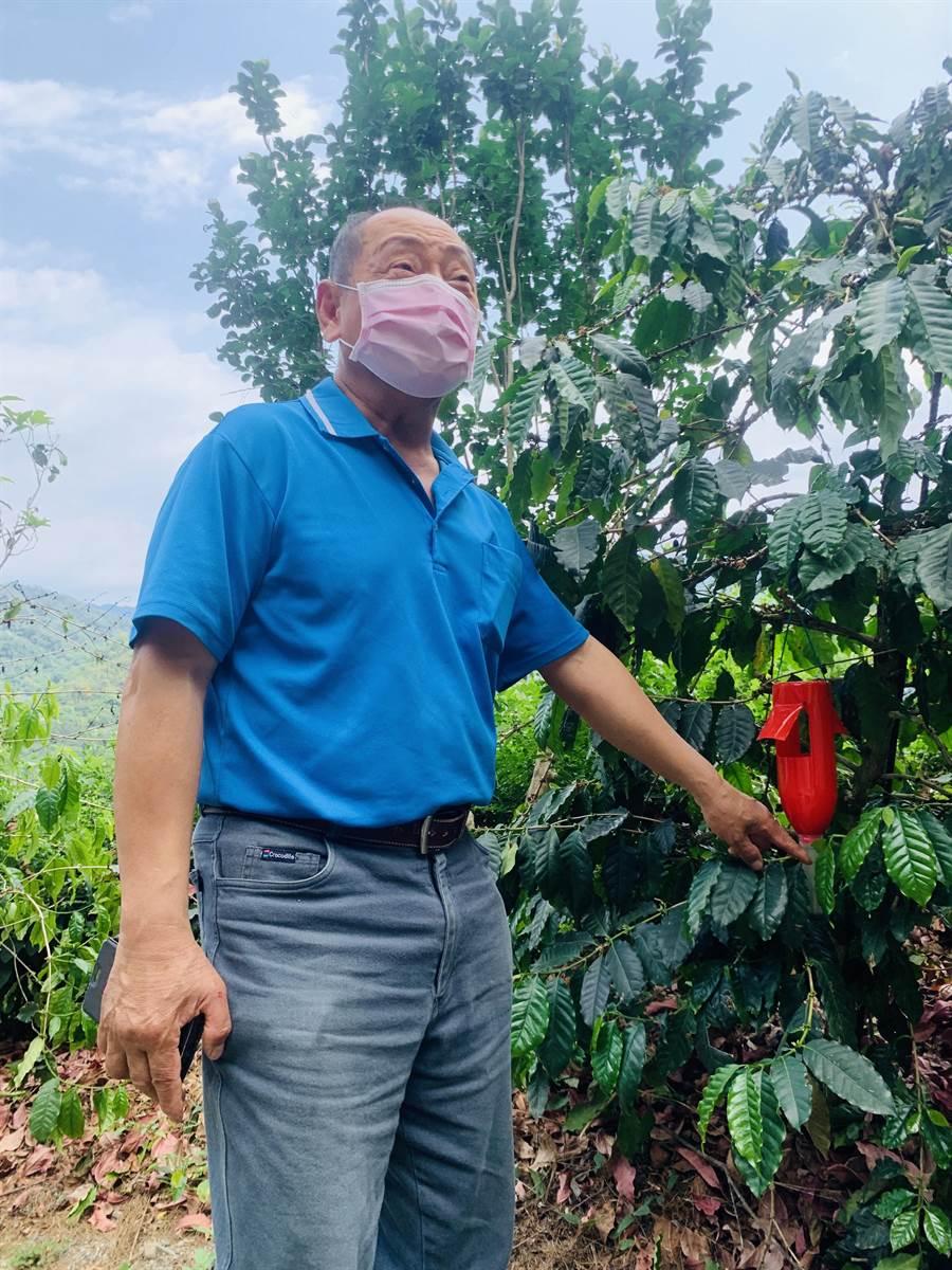 前農糧署長李蒼郎,關心農民生計。(廖志晃攝)