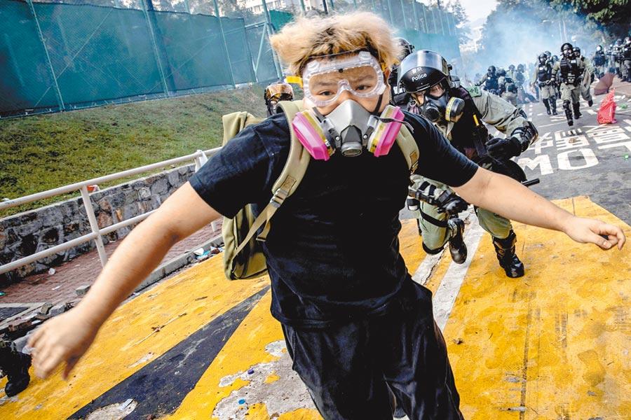 普立茲獎4日揭曉,路透以鏡頭記錄去年香港反送中運動,榮獲突發新聞攝影獎。(路透)