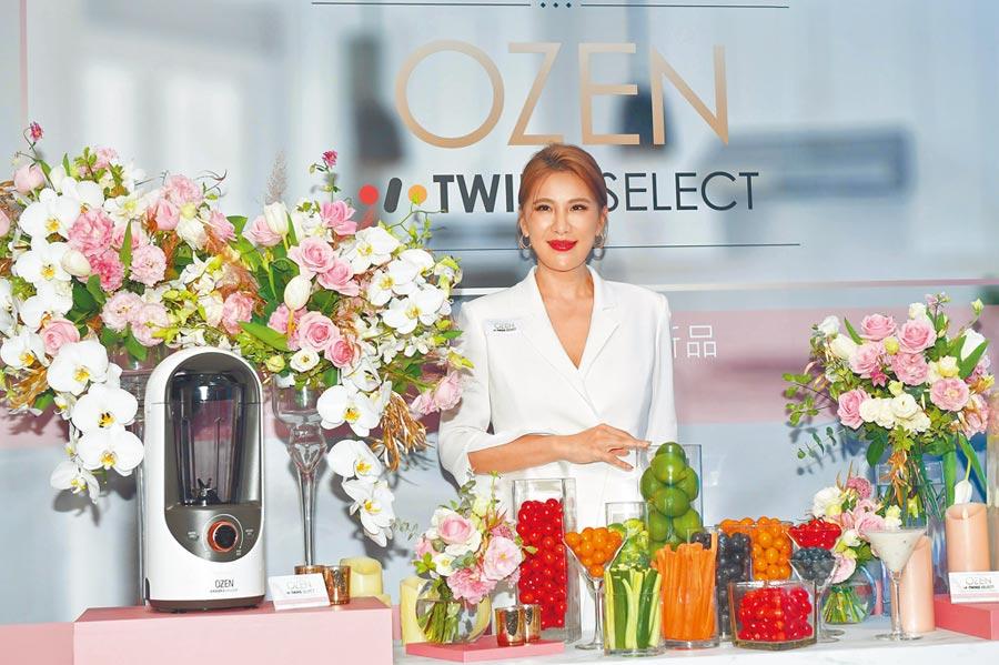 小禎代言韓國OZEN智能美型廚電。(盧禕祺攝)