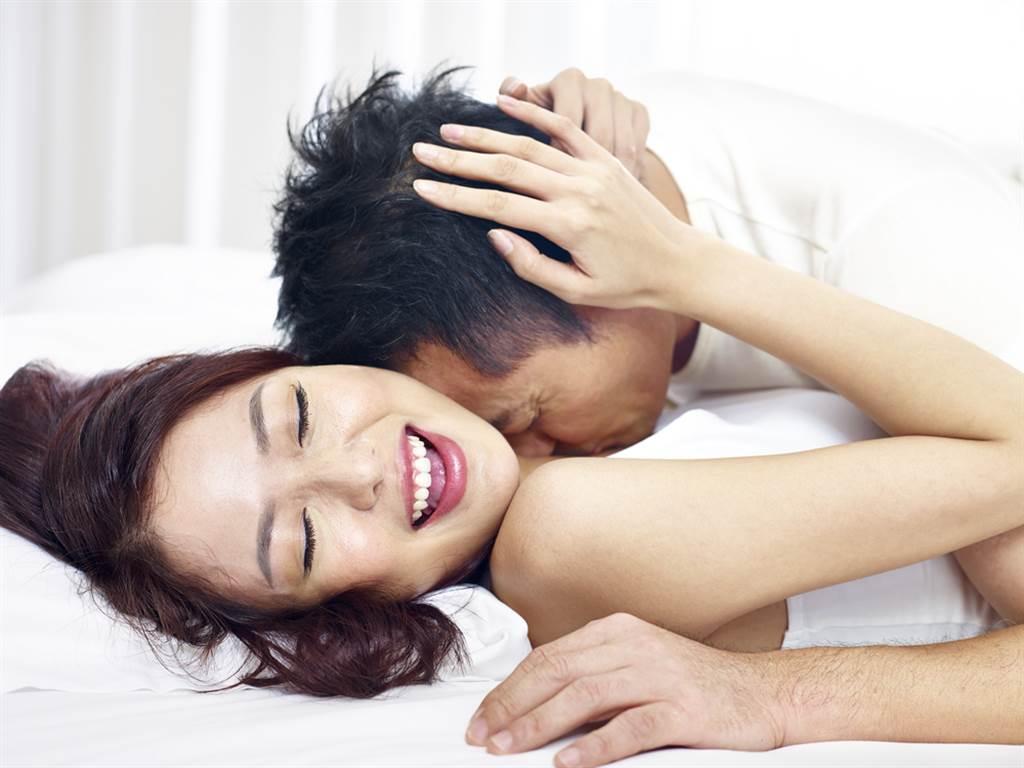 白羊女、射手女、雙魚女、雙子女容易被睡卻不被愛。(示意圖/shutterstock提供)