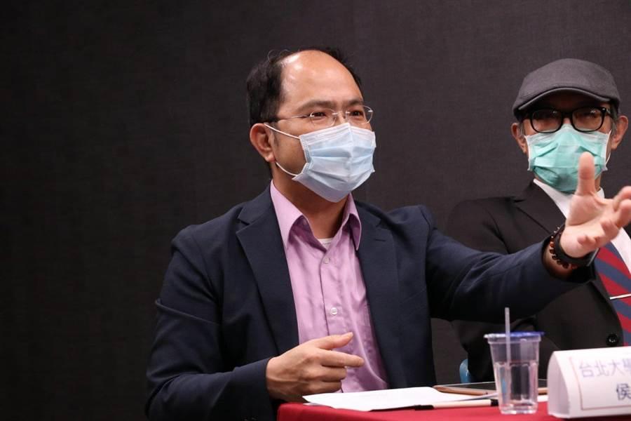侯岳宏提到,過去曾發生實習醫師過勞死,住院醫師強力要求納入勞基法。(主辦單位提供)