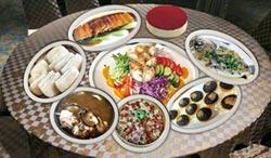 台中北海岸歡慶母親節 合菜外帶加碼送提拉米蘇