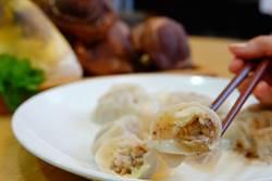 綠竹筍、 珠蔥、椴木香菇當食材!母子打造美味靈芝餃