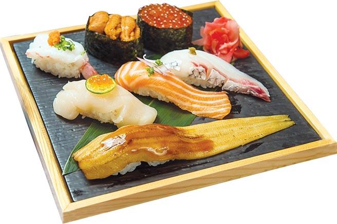 〈板前長推薦〉集合了星鰻、鮮干貝、胭脂蝦、鮭魚卵、海膽、白肉魚和鮭魚等七貫人氣口味握壽司,方便入門者點用。圖/大漁餐飲集團