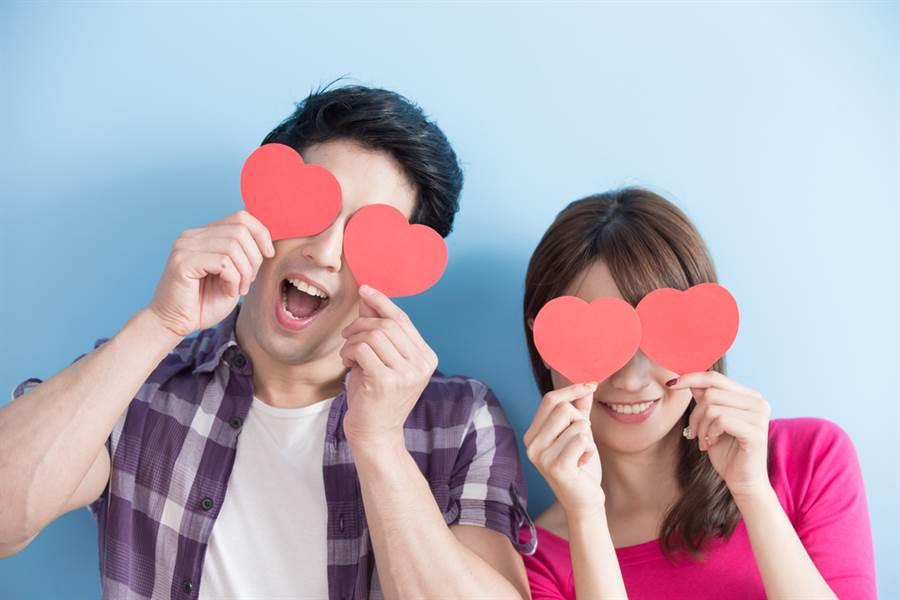 六都女多男少!台北市最嚴重...女恐找嘸老公。(示意圖/Shutterstock)