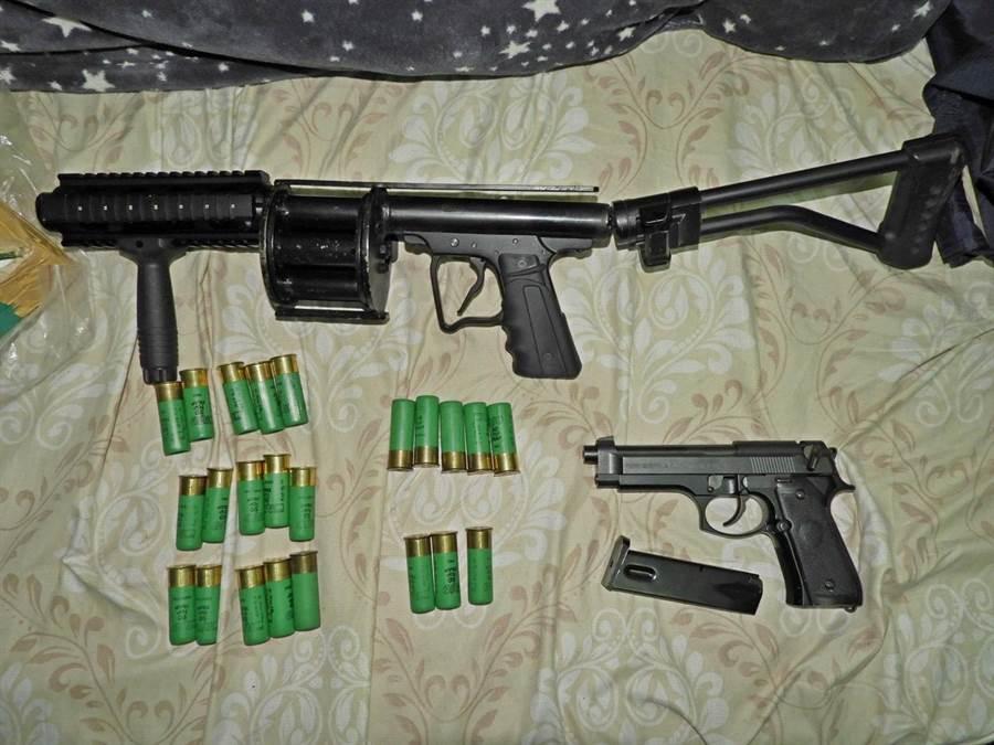 越男押走同鄉凌虐遭桃警搜出大批槍彈,全被移送法辦。(翻攝照片/蔡依珍桃園傳真)