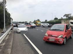 國三休旅車與自小客車事故  5歲男童甩飛車外受傷