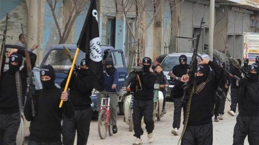 IS趁新冠肺炎再度坐大,發動多場伏襲!(圖/Reuters)