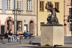 疫情封鎖下波蘭大選如期舉行 創「0」投票掛蛋紀錄