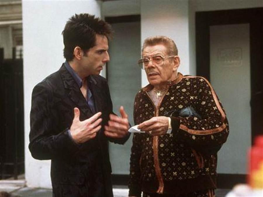 傑瑞史提勒參與兒子班史提勒自編自導自演的《名模大間諜》系列電影。(摘自IMDb)