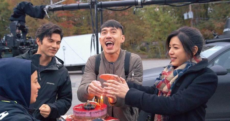去年10月,陳妍希與張書豪、鳳小岳在加拿大一起拍攝公路愛情喜劇《跟你老婆去旅行》。(圖/好好看文創提供)