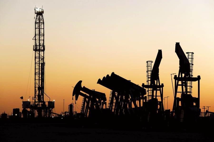美國原油從低點暴漲逾280%。近期大量資金蜂擁投資原油基金,這使得原油基金溢價居高不下。圖/美聯社