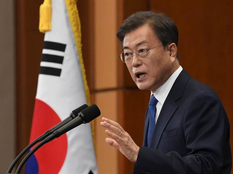 南韓總統在就職三年紀念日發表演說,表示將盡全力維護朝鮮半島和平。(路透)