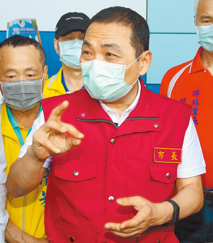 侯友宜發公開信表示,紓困案送中央審,是為救全國公務員。(本報資料照片)