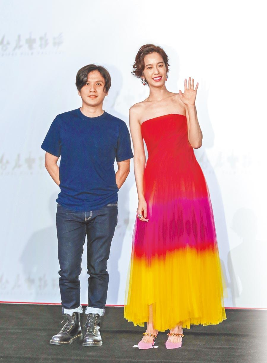 陳庭妮(右)與《狂徒》導演洪子烜合作影展形象廣告。(盧禕祺攝)