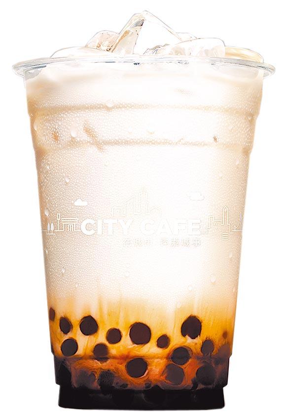 7-11今(12日)在醫院內指定門市,憑該醫院員工證可兌換黑糖珍珠撞奶乙杯。(7-11提供)