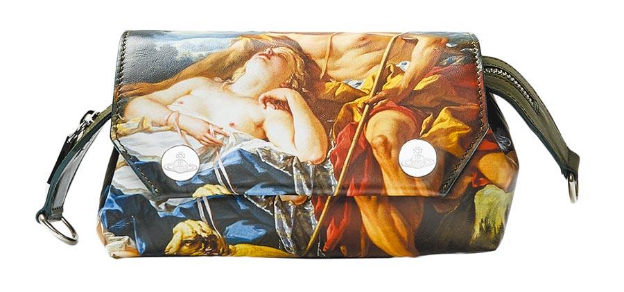 Vivienne Westwood Shepherdess系列斜背包,價格2萬3200元。(永三提供)