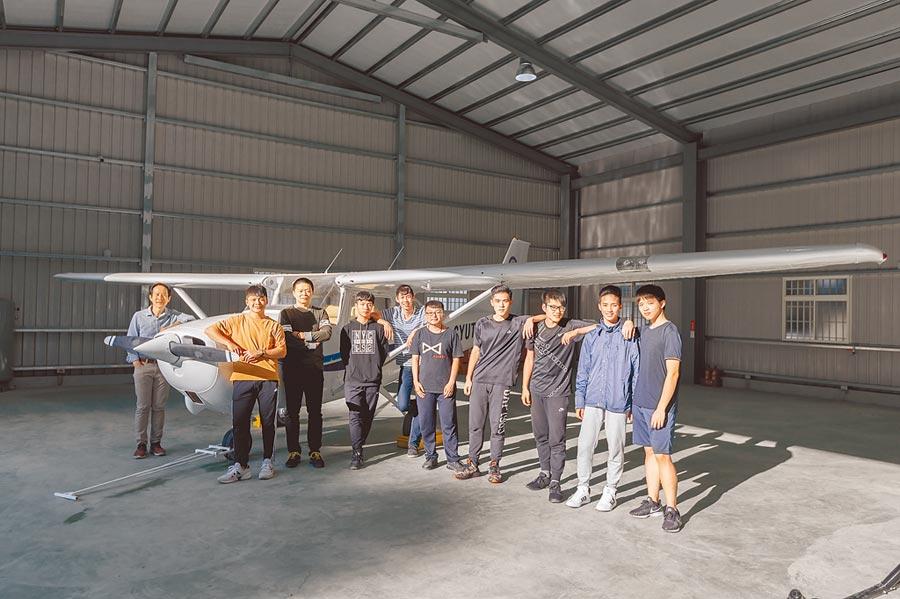 朝陽科大購入西斯納172型單引擎小型飛機示範教學課程,培育全球飛航菁英。(朝陽科大提供)