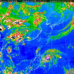 威脅大增!氣象局:「黃蜂」增強為中度颱風