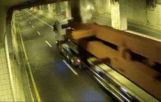 超高車輛毀鳳鼻隧道消防管 大水狂噴北上封閉