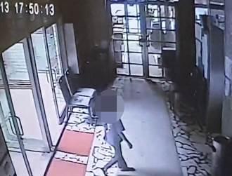 直擊》板橋女童墜樓自行爬起上樓影片曝光