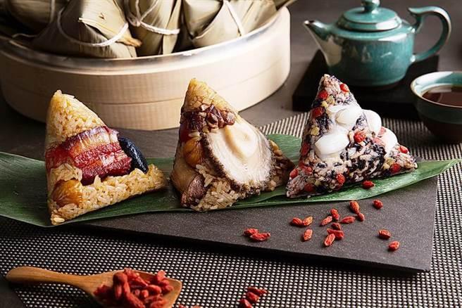 台北萬豪酒店端午粽禮開賣,標榜由國宴主廚手做並有多種口味可以選擇。(圖/台北萬豪酒店)