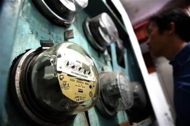 一位人妻表示,老公家每月電費總是破萬,近日回婆家住後,終於親眼目睹背後的「吃電殺手」真相。(圖/本報系資料照片)