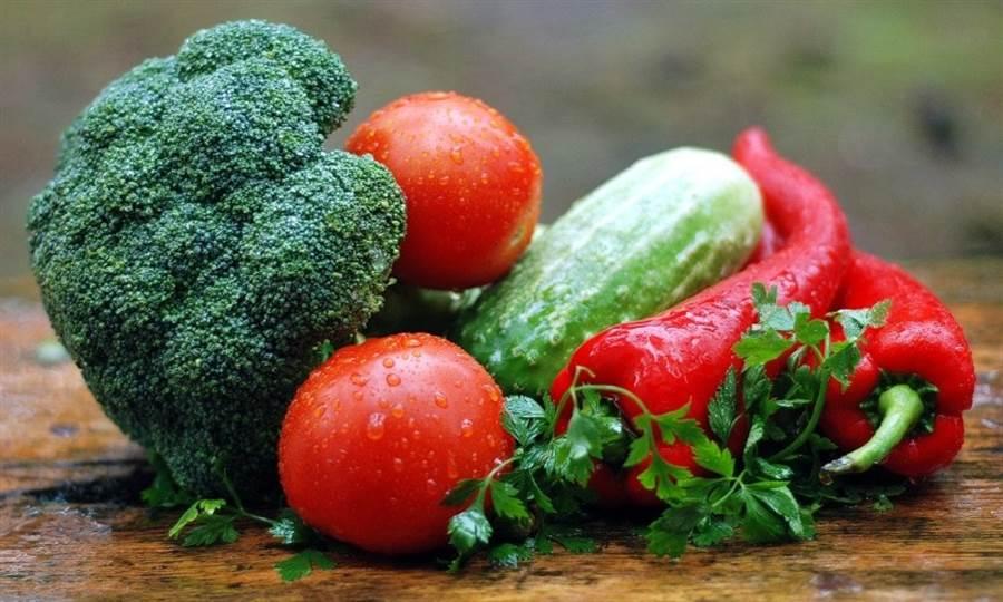 飲食均衡,多攝取纖維質有助於甩開腹部脂肪。(圖片來源:pixabay)