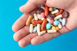亂吃保健品...女小便、眼睛發黃 醫:重症肝炎