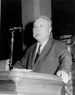 公開政權 蔣堅邀出掌經濟部──博士之父從政心路(一)