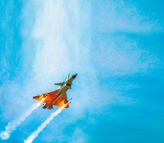 美媒認證 F-16V成殲-10C俎上肉