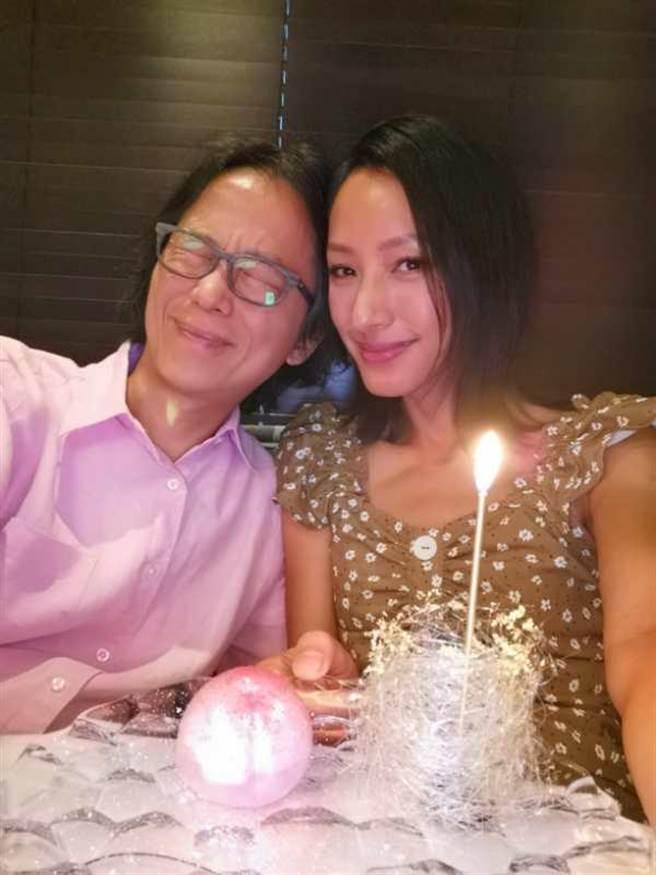 翁狄森(左)帶蔣怡到中環的法式餐廳享用生日晚餐。(蔣怡提供)