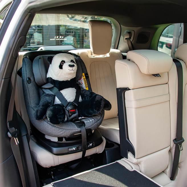 第三排座椅也配置ISOFIX,可固定兒童座椅。(陳大任攝)