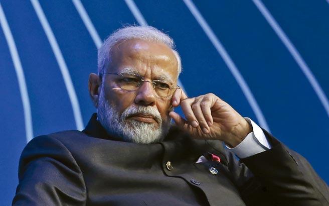 印度總理莫迪指出,嚴格的居家令將延長至5月17日以後,屆時將發布更新的封鎖規範。圖/美聯社