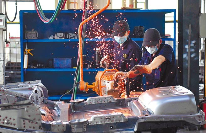 石家莊文安縣智慧裝備產業園,一家企業復工復產。(新華社資料照片)