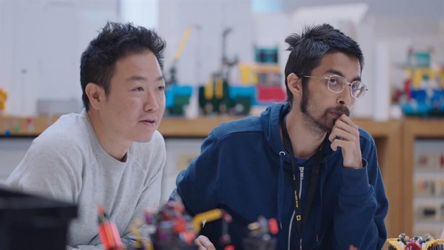 樂高資深產品設計師Dennis Fong(左)。(樂高提供)