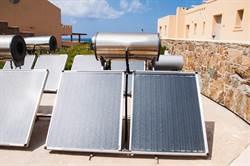 太陽能熱水器怕曬壞想搭棚架遮光?內行人疾呼母湯