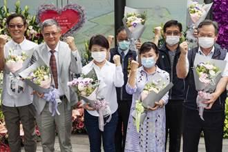 以台灣花卉向防疫人員致敬 中市草悟道花藝創作傳愛