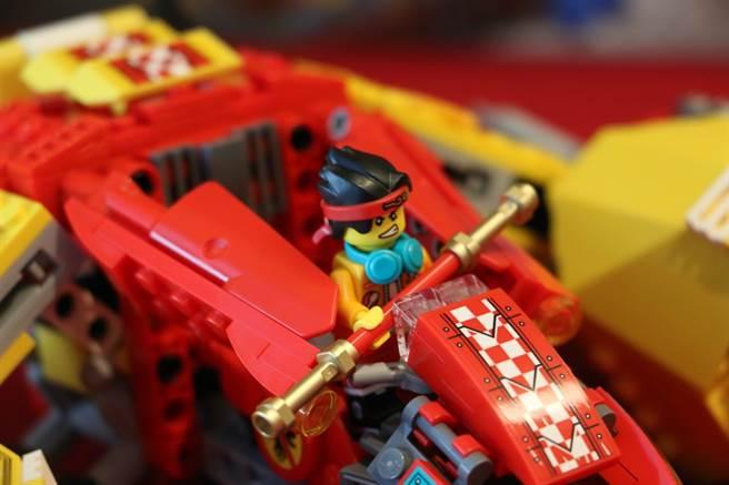 LEGO悟空小俠系列80008悟空小俠雲霄戰機上有悟空小俠的專屬座位!(黃慧雯攝)