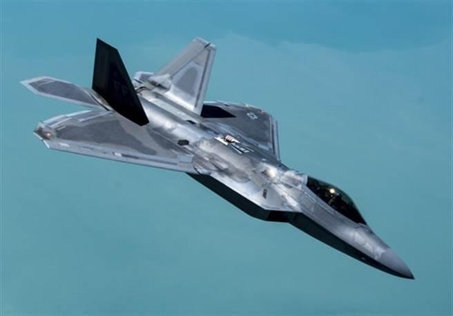 F-22「猛禽」(Raptor)隱形戰機的資料照。(美國空軍)
