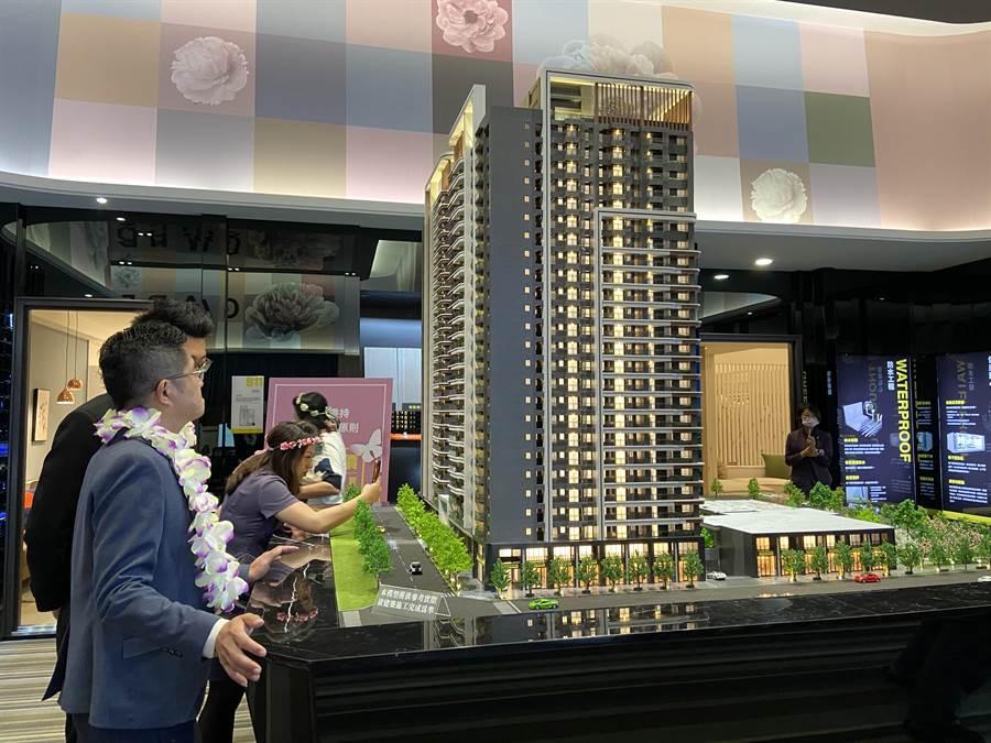 富宇建設將七期豪宅美學,打造台中市南屯國際級地標建築。(盧金足攝)