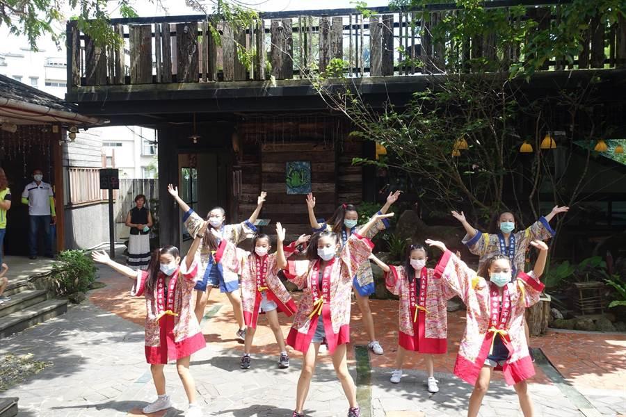 台南市溫泉協會業者展現培訓成果。(台南市觀光局提供/劉秀芬台南傳真)