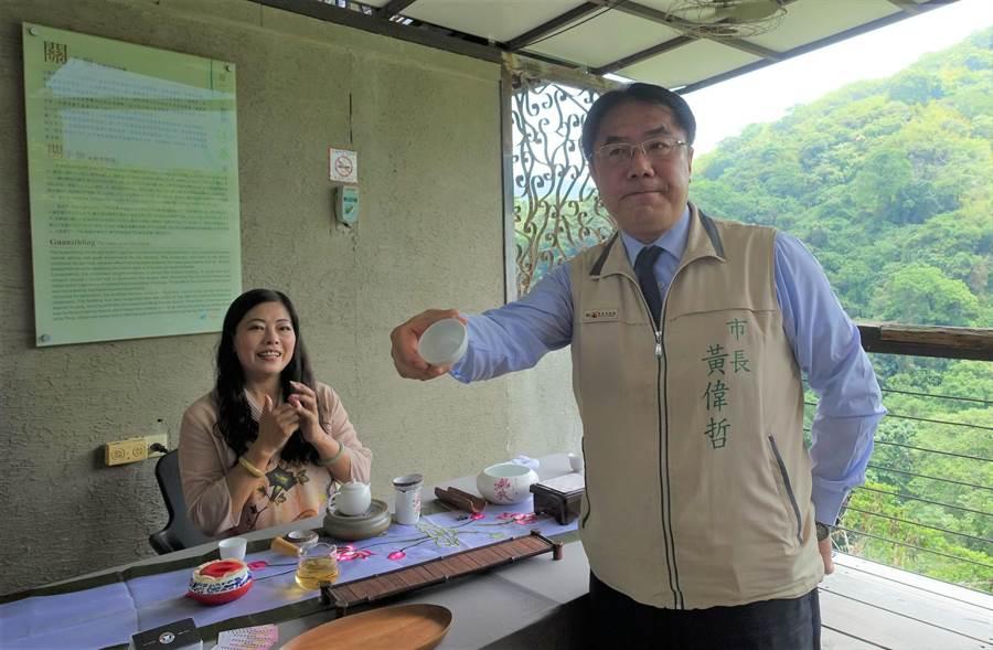 沐春民宿運用培訓課程所學,於民宿布置9處茶藝擺飾藝術。(台南市觀光局提供/劉秀芬台南傳真)