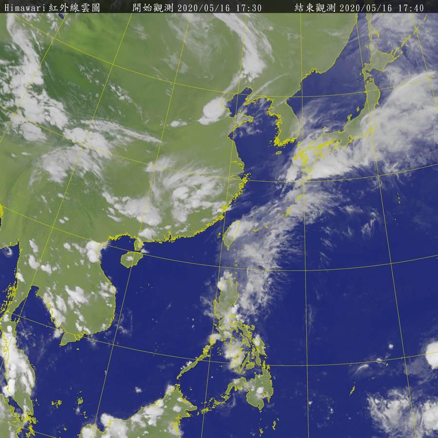 黃蜂中心離開菲律賓,威力大減,朝巴士海峽前進 (圖/中央氣象局)