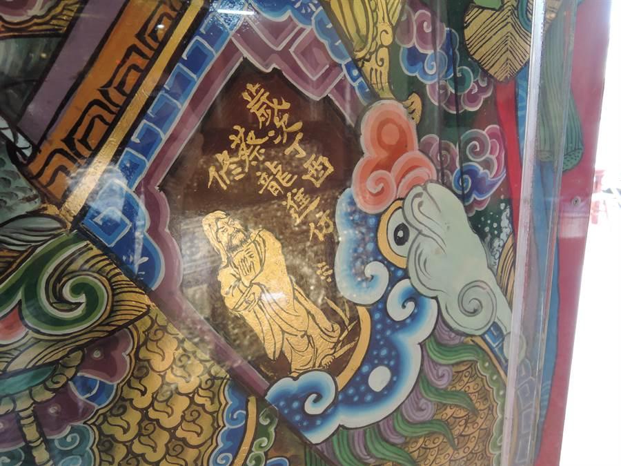 嘉義縣東石鄉慶福宮4年前邀請彩繪大師蔡進龍重現他師傅潘麗水的作品。(張毓翎攝)