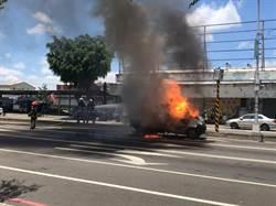 小貨車鋼瓶爆炸? 火燒車19分鐘變廢鐵