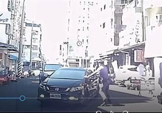 正午酒駕拒檢逃逸 勇警警棍破窗逮捕